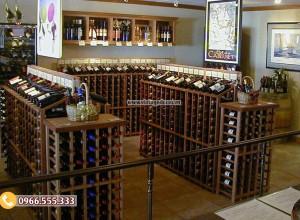 Mẫu thiết kế cửa hàng rượu vang từ gỗ sồi CHR06