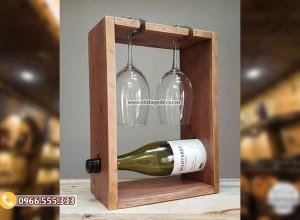 Mẫu kệ rượu vang đặt trong phòng  KR68