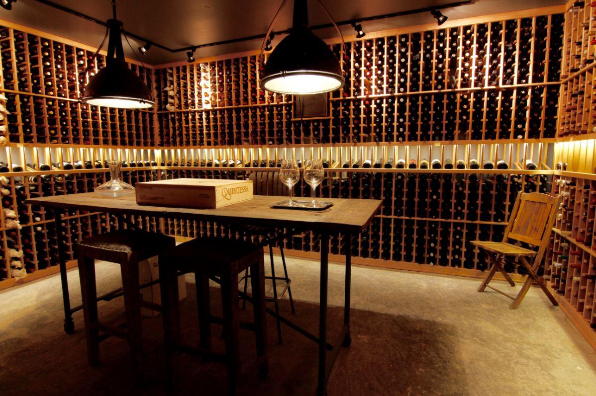 Mẫu thiết kế hầm rượu gỗ thông HR19