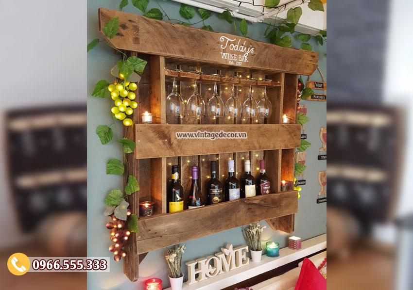 Mẫu kệ rượu treo tường trang trí KR23