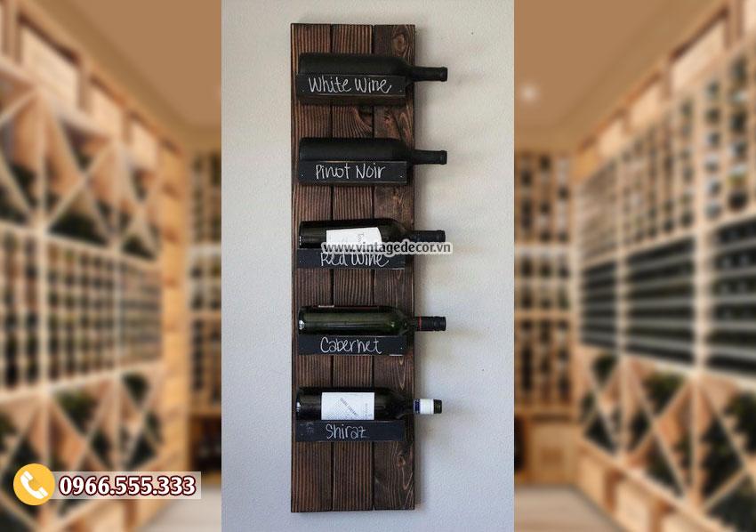 Mẫu kệ rượu treo tường đơn giản theo phong cách cổ điển KR88