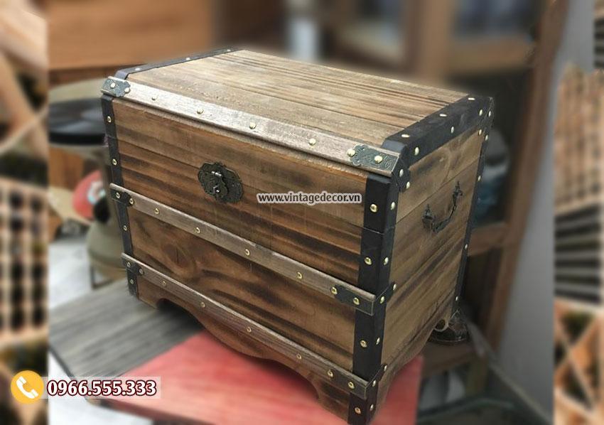 Mẫu rương gỗ phong cách cổ điển có khóa RG100