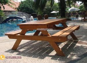 Mẫu bộ bàn liền ghế ngoài trời gỗ thông nhập khẩu BG65