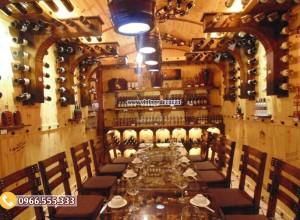 Mẫu thi công nhà hàng hầm rượu gỗ thông nhập khẩu đẹp BR88