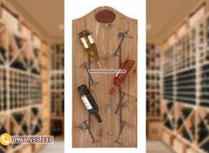 Mẫu kệ rượu treo tường đơn giản TBR189