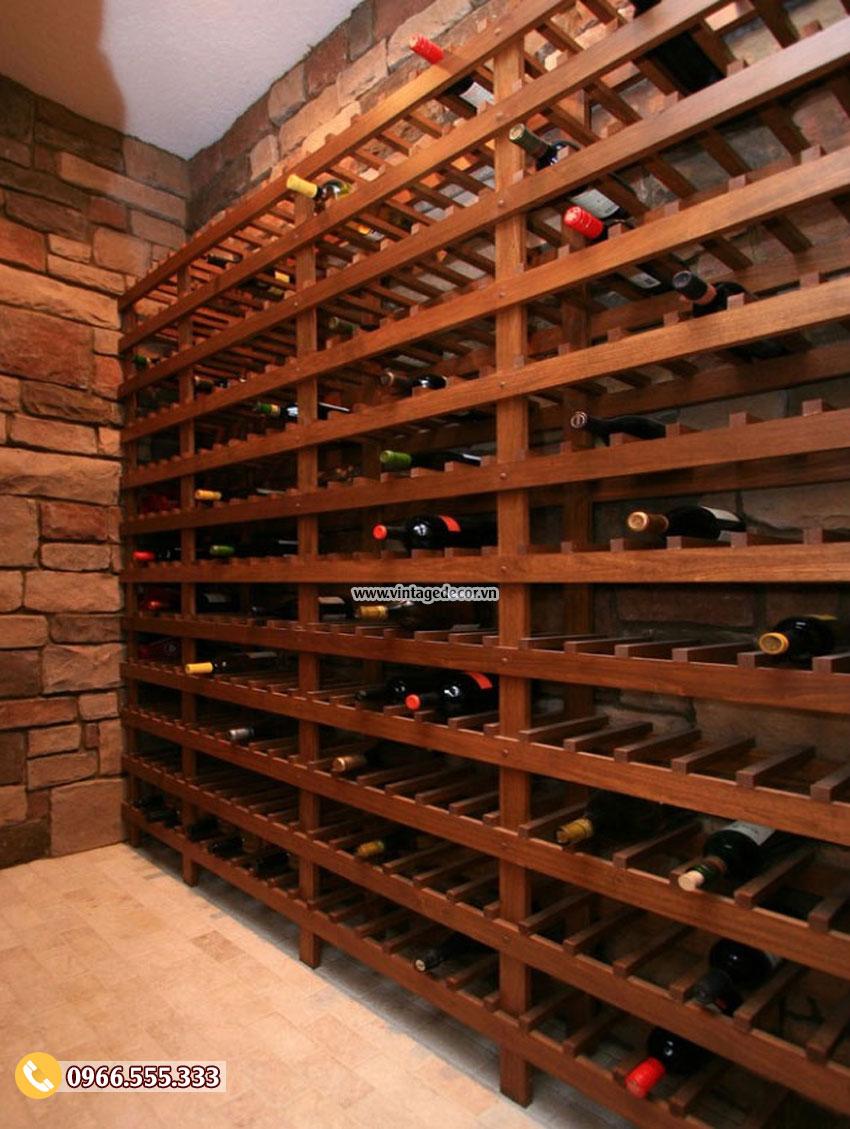 Chỉ là một khu vực lưu trữ rượu vang đơn giản và tuyệt vời.
