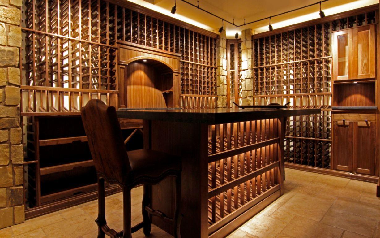 Mẫu thiết kế hầm rượu gỗ sồi HR18