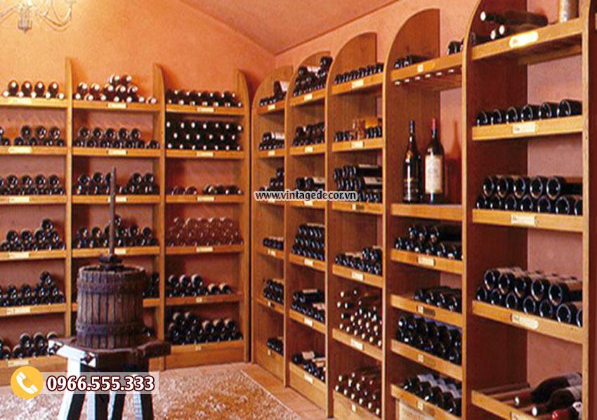 Mẫu kệ rượu trưng bày cửa hàng đẹp TBR07