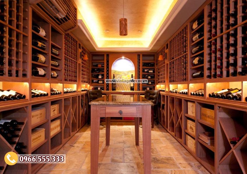 Mẫu thiết kế hầm rượu vang gia đình phong cách cổ điển HR70