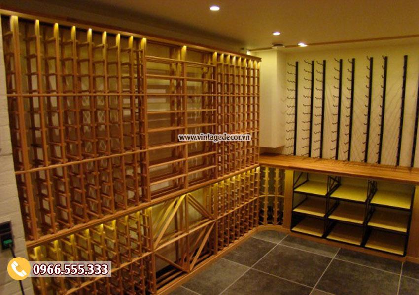 Mẫu thiết kế hầm rượu vang gỗ tự nhiên HR89