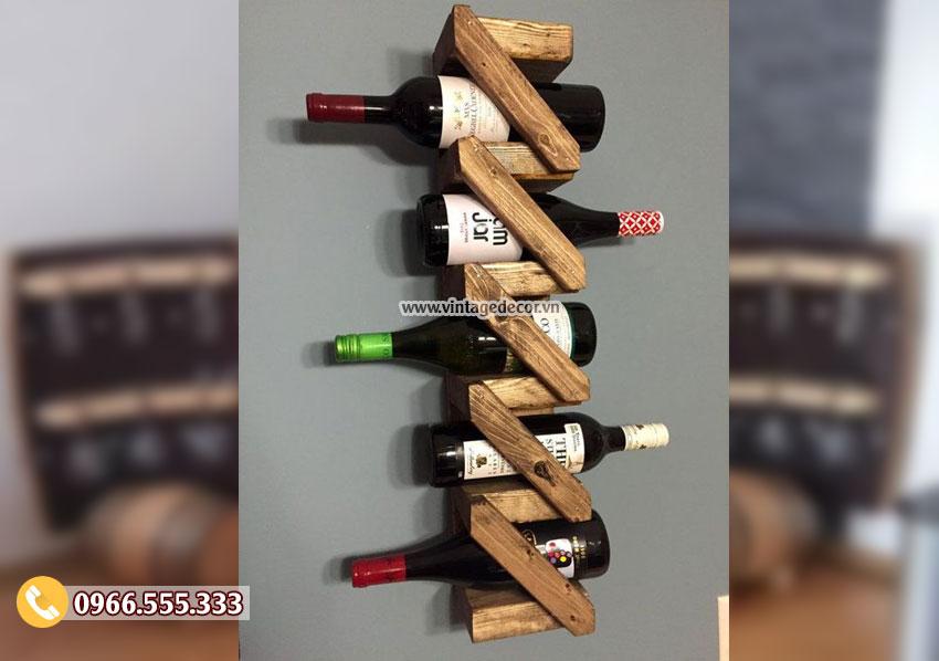 Mẫu kệ rượu treo tường đẹp KR22