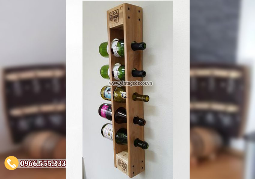 Mẫu kệ rượu treo tường đơn giản KR32