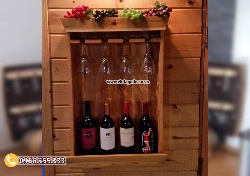 Mẫu kệ rượu treo tường mini KR17