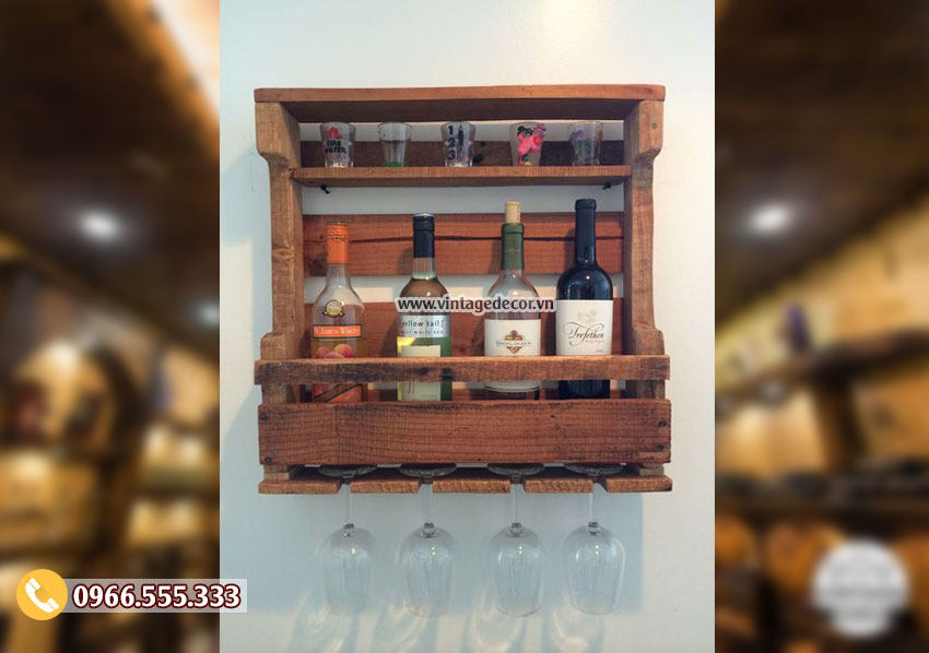 Mẫu kệ rượu vang treo tường gỗ sồi KR55