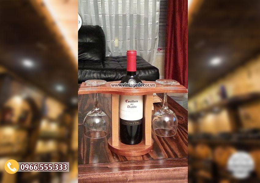Mẫu giá đựng chai rượu vang KR57