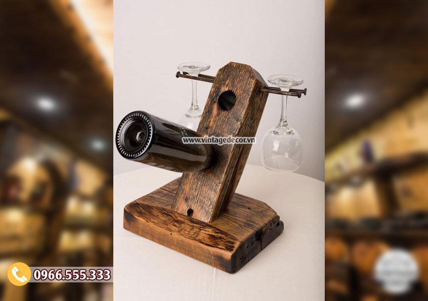 Mẫu kệ rượu vang trang trí KR58