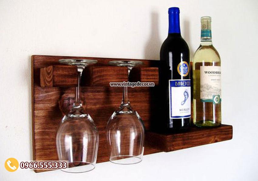 Mẫu kệ rượu vang treo tường đẹp KR61