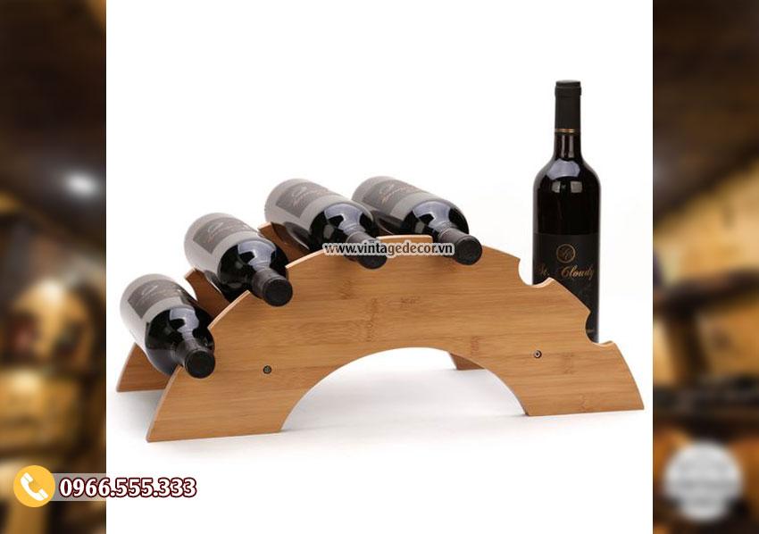 Mẫu giá rượu đặt bàn gỗ thông nhập khẩu KR48