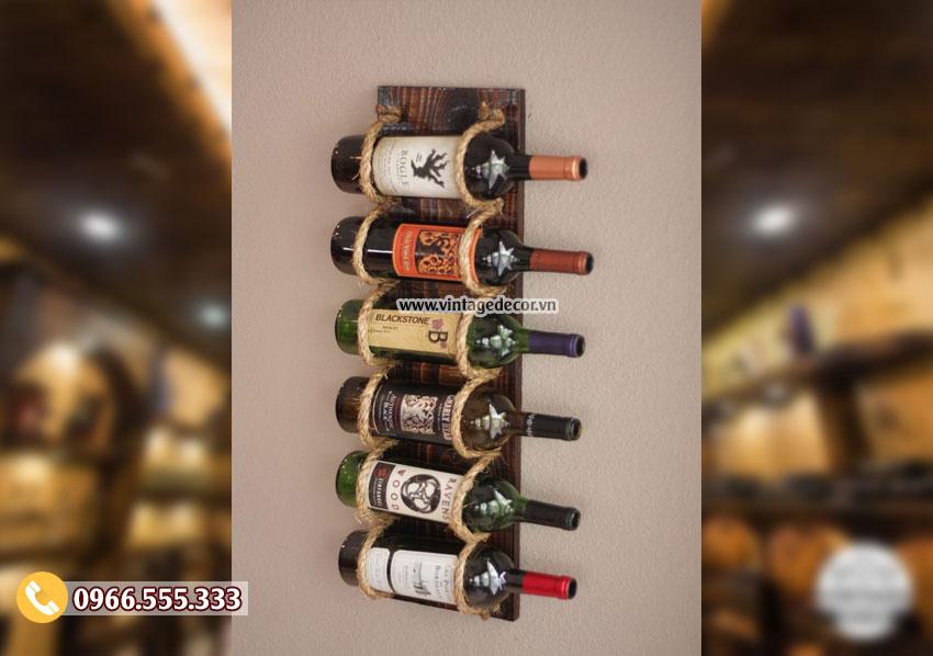 Mẫu kệ rượu vang treo tường phong cách hiện đại KR69