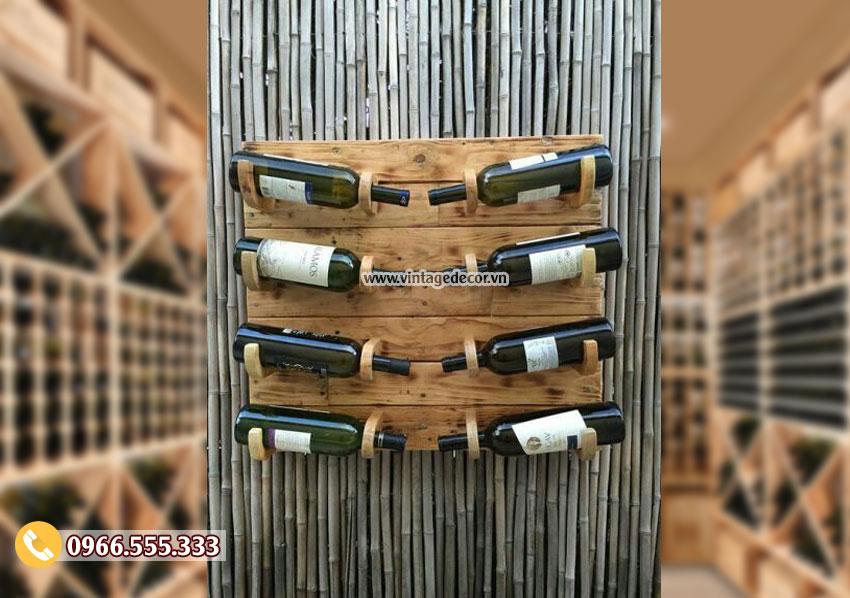 Mẫu kệ rượu treo tường KR73