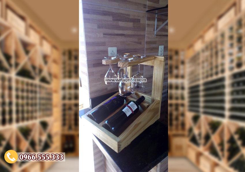 Mẫukệ rượu vang đặt bàn hiện đại TBR147
