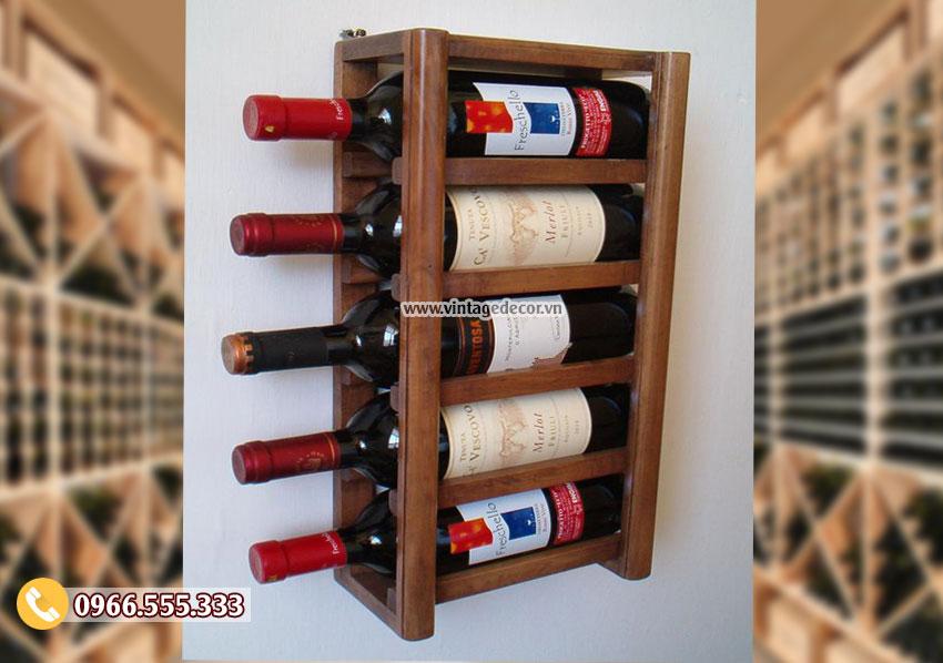 Mẫu kệ rượu treo tường phong cách hiện đại TBR170
