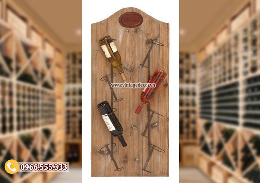 Mẫu kệ rượu treo tường đơn giản TBR169