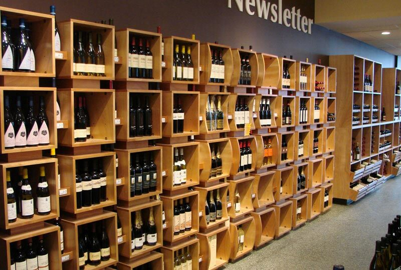 Thiết kế cửa hàng trưng bày rượu vang đẹp