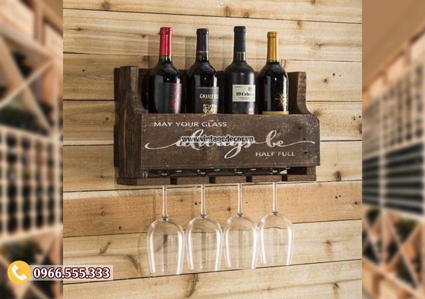 Mẫu kệ rượu vang treo tường gỗ sồi TBR197