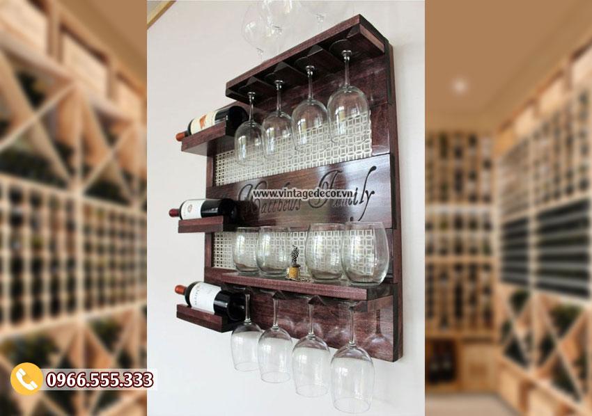 Mẫu kệ rượu vang treo tường cổ điển TBR210