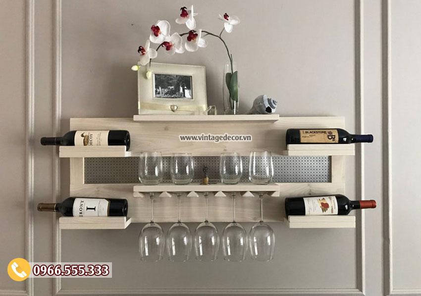 Mẫu kệ rượu vang treo tường sang chảnh TBR211