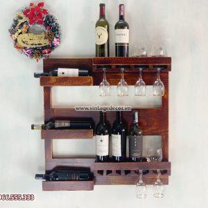 Mẫu kệ rượu vang treo tường cổ điển đẹp KRTT03