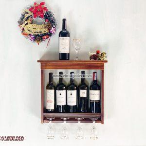 Mẫu kệ rượu vang treo tường đơn giản KRTT04