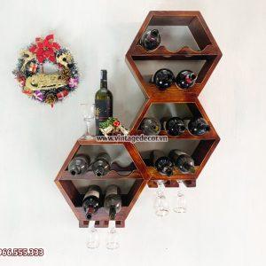 Mẫu kệ rượu vang treo tường sang trọng KRTT05