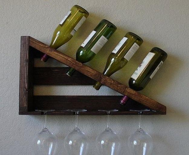 (Kệ rượu treo tường mini giúp tiết kiệm diện tích không gian tối đa)